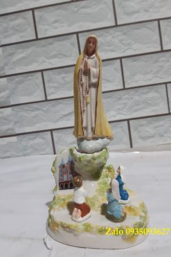 Đức Mẹ Fatima Hiện Ra Với 3 Trẻ Bằng Gốm Sứ 02