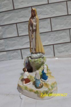 Đức Mẹ Fatima Hiện Ra Với 3 Trẻ Bằng Gốm Sứ 03