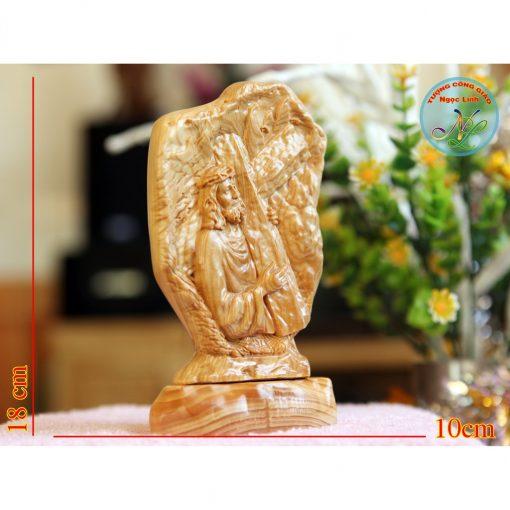 Tượng Chúa Giêsu Vác Thánh Giá Cao 17cm 02