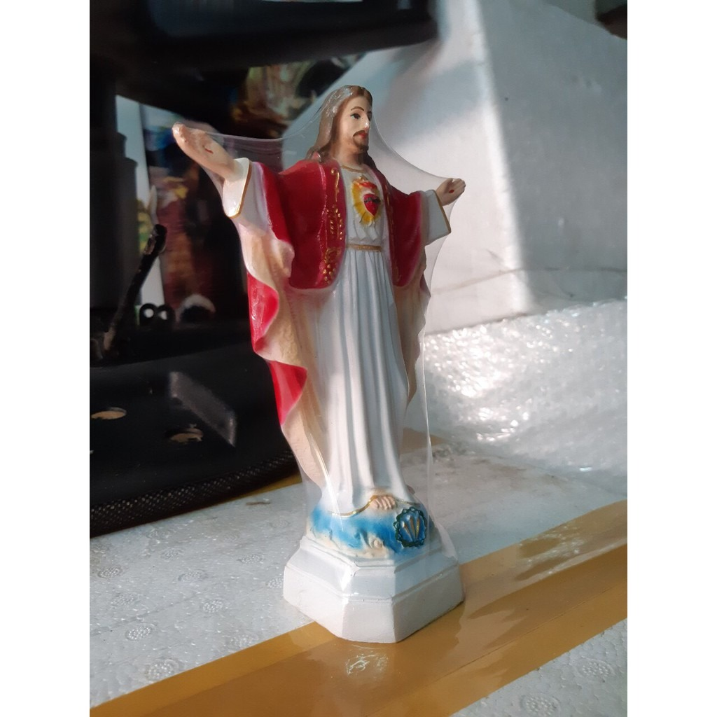 Tượng Chúa Kito Dang Tay (4)