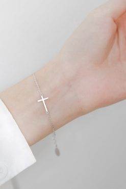 Vòng đeo Tay Hình Thánh Giá Xinh Xắn Dành Cho Nữ