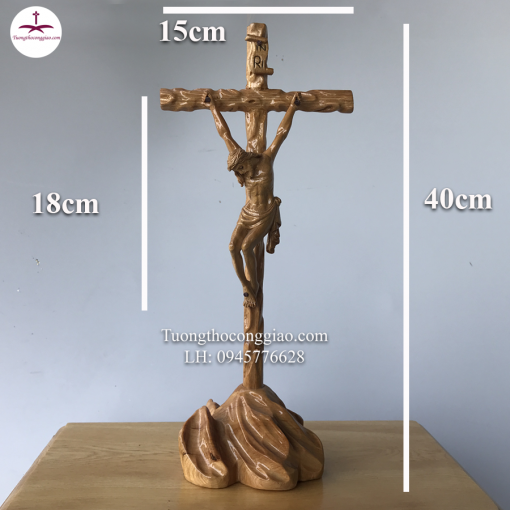 Tượng Chúa Chịu Nạn Trên đồi Gỗ Pơ Mu Cao 40cm (5)